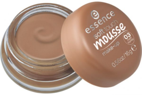 essence soft touch mousse make-up 03